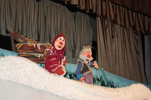 Детское представление Морозко в Театре кукол Зазеркалье.