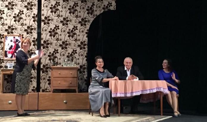 Незамужняя женщина. Акмолинский театр